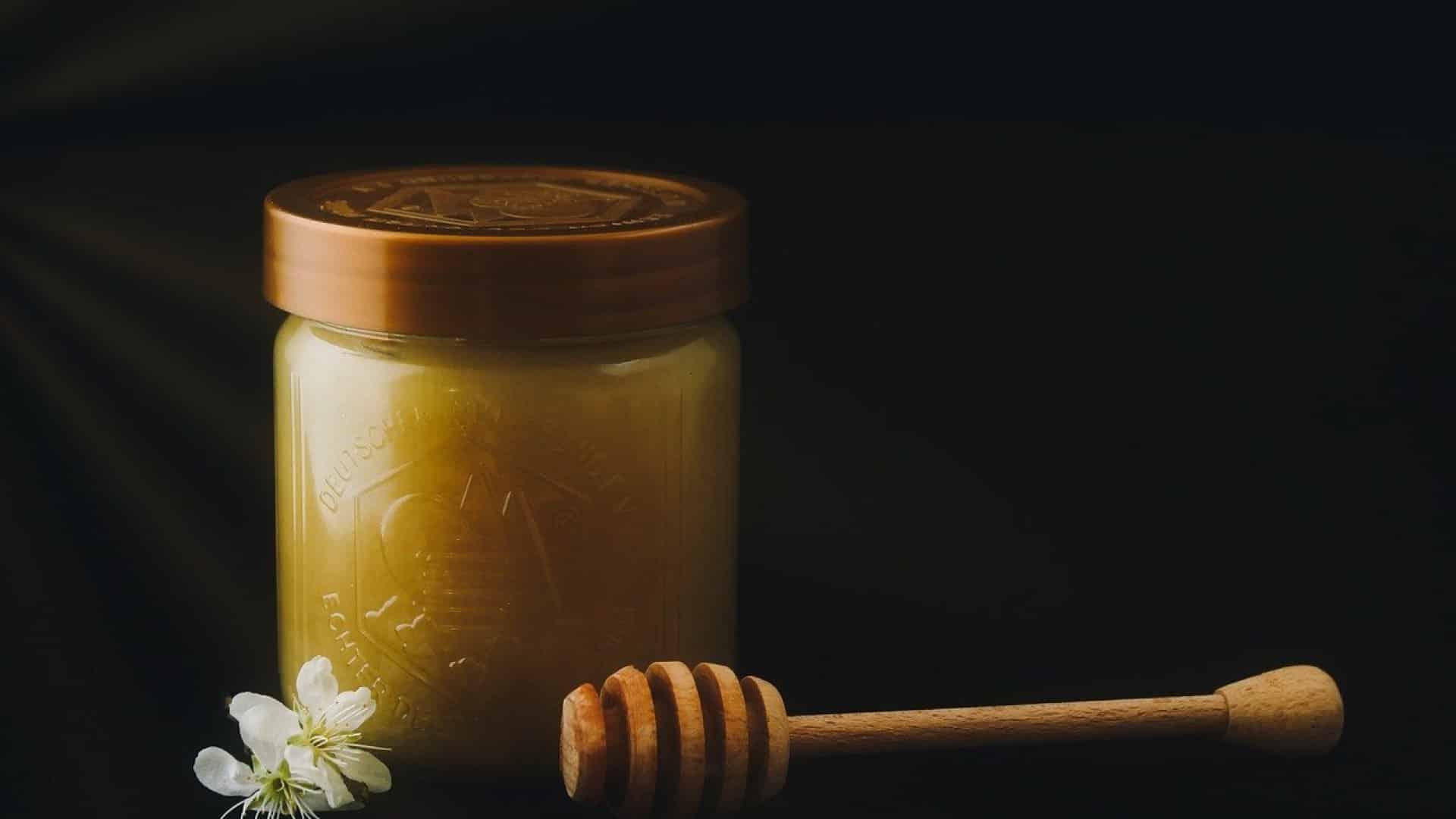 L'essentiel à savoir sur les vertus et avantages du miel